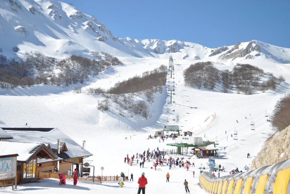 A view of the chair lift at Ovindoli, one of the ski areas of Abruzzo