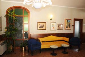 Hotel Victoria lobby