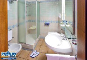 Hotel Pizzalto bathroom