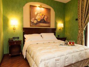 Hotel Petite Fleur bedroom