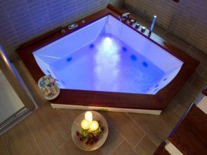 La Pinetina Residence jacuzzi bath