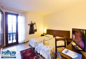 Hotel Pizzalto twin bedroom